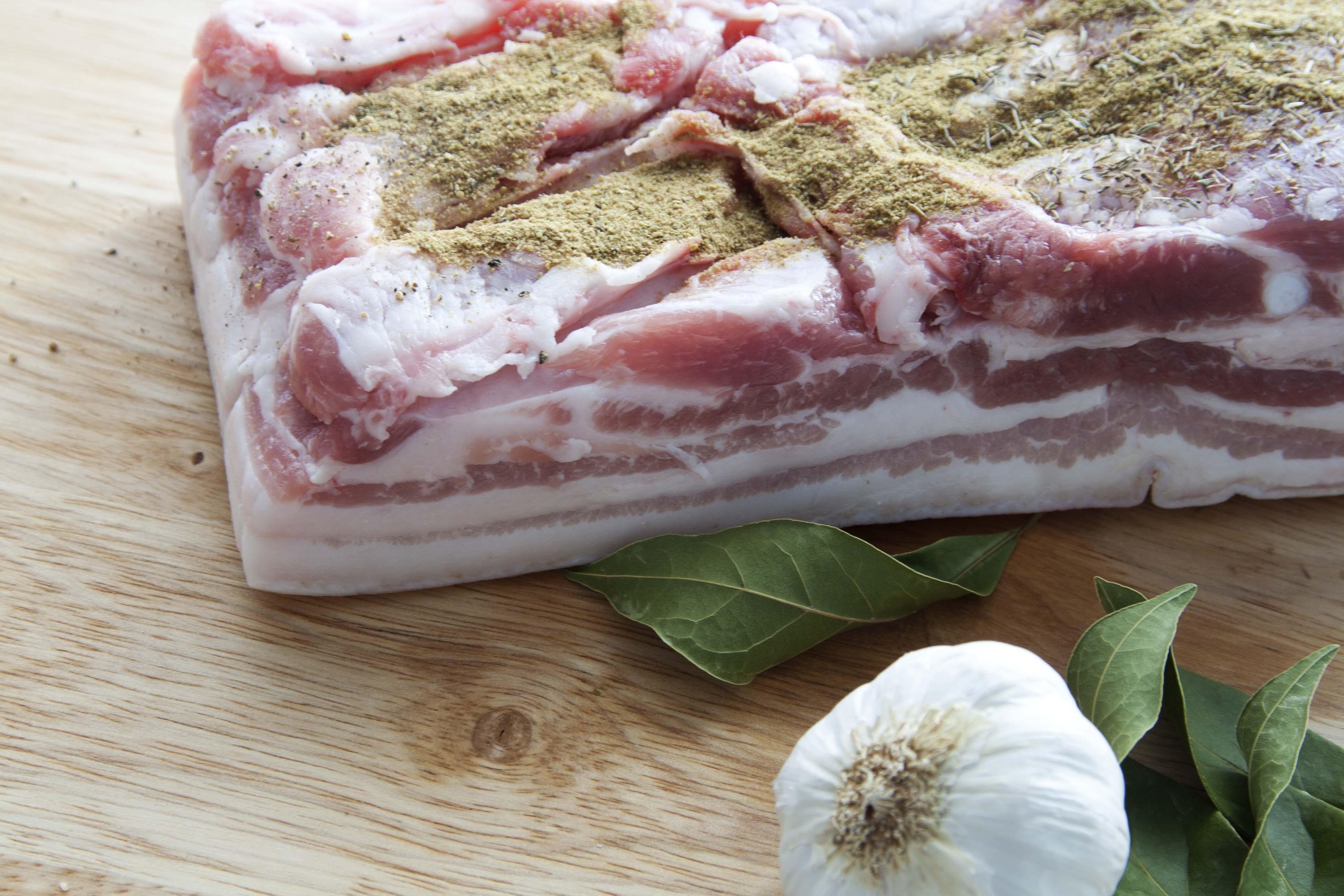 Bacon casero {sin azúcar, sin gluten y sin nitritos}