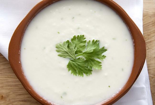 Sopa fría de coliflor y cilantro
